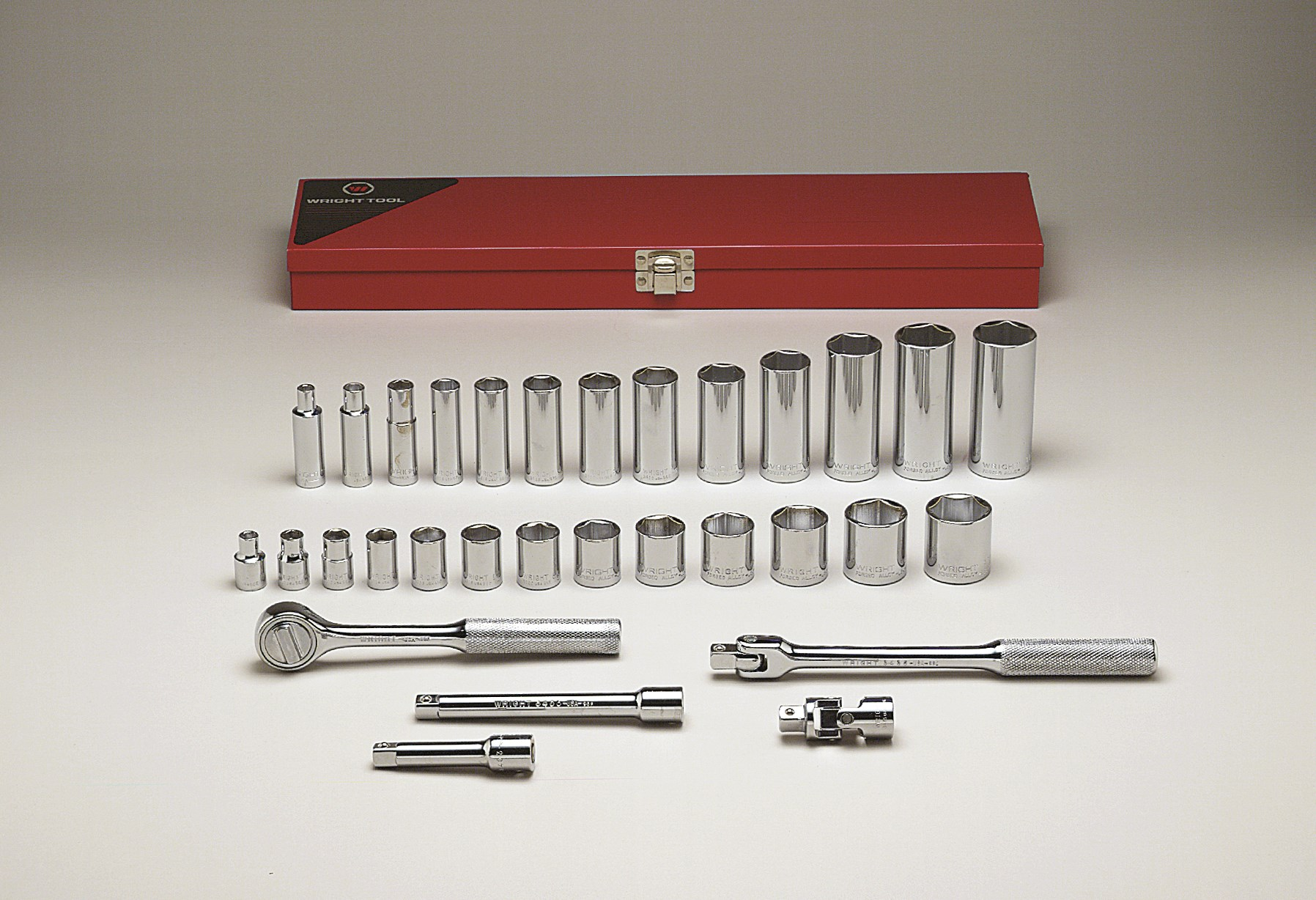 Wright Tool 339 3/8-inch Drive 31 Pieces Standard and Deep Socket Set 6-Point